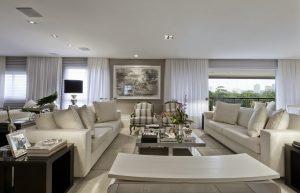Como valorizar o espaço da sua casa com móveis para decoração?